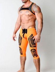 ropa deportiva en naranja Barcode