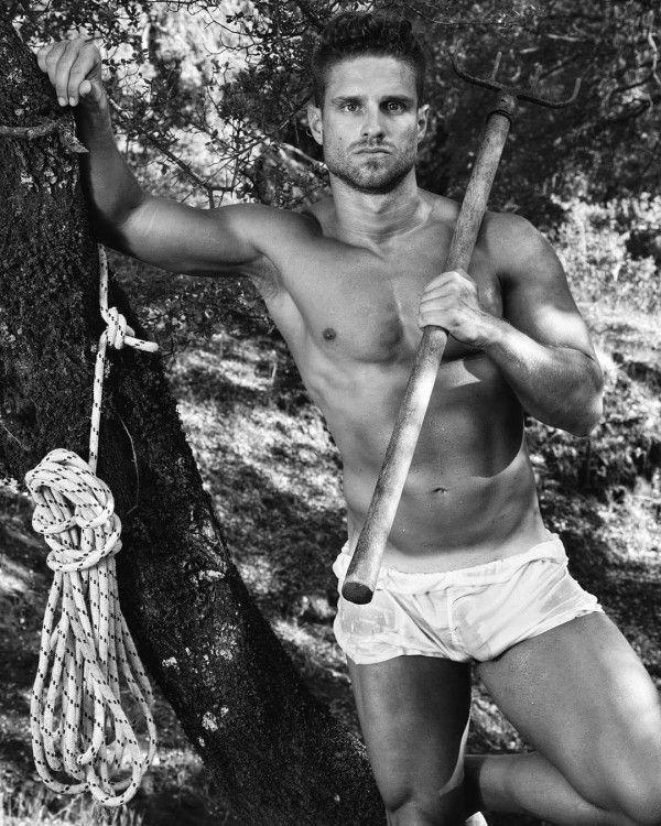 fotos de hombres guapos en ropa interior